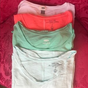 Gap and Old Navy T shirt bundle of 4 Size L